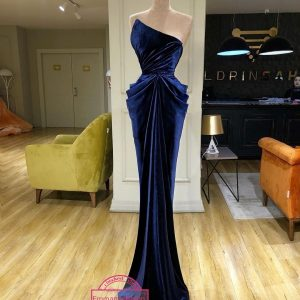 Velvety Fabric Soft And Yet Stylish Gown For Dinna Look